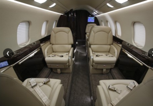 Solairus Aviation Learjet 60XR based KMCO