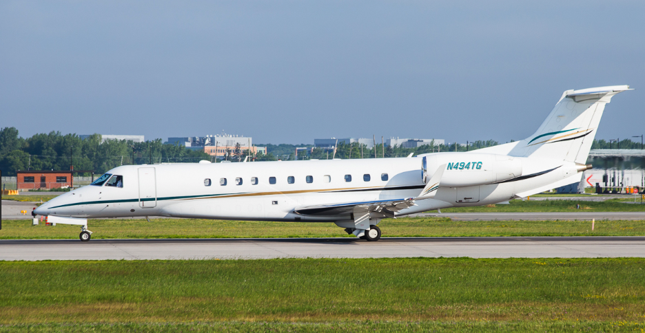 New to charter, Legacy 600 based KBDL Windsor Locks, CT operated by Custom Jet Charters.
